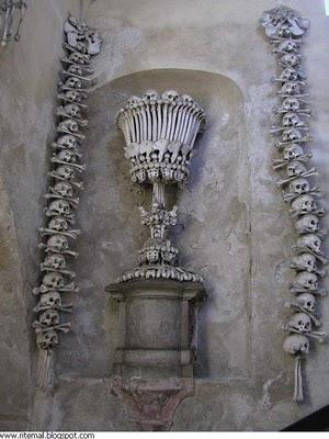 http://alaiwah.files.wordpress.com/2009/12/bones.jpg