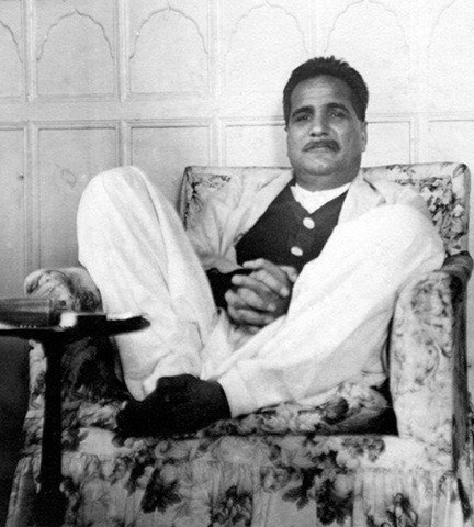 sir mohammed iqbal biography essay Sir syed ahmed khan  allama mohammed iqbal's call should be taken seriously and march forward  iqbal my hero 3 brief biography 4.